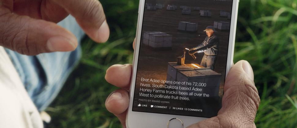 Ein Smartphone mit einem geöffneten Instant Article